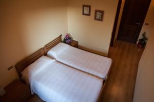Camera Doppia con letti singoli - Locanda Grifo, albergo a Lenno sul Lago di Como