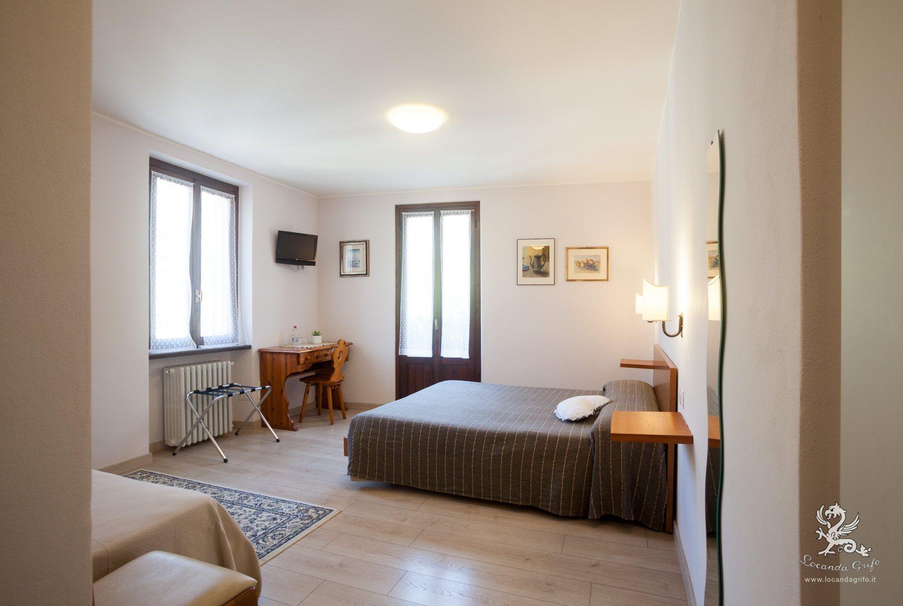 Camera Tripla con letto matrimoniale - Locanda Grifo, albergo a Lenno sul Lago di Como