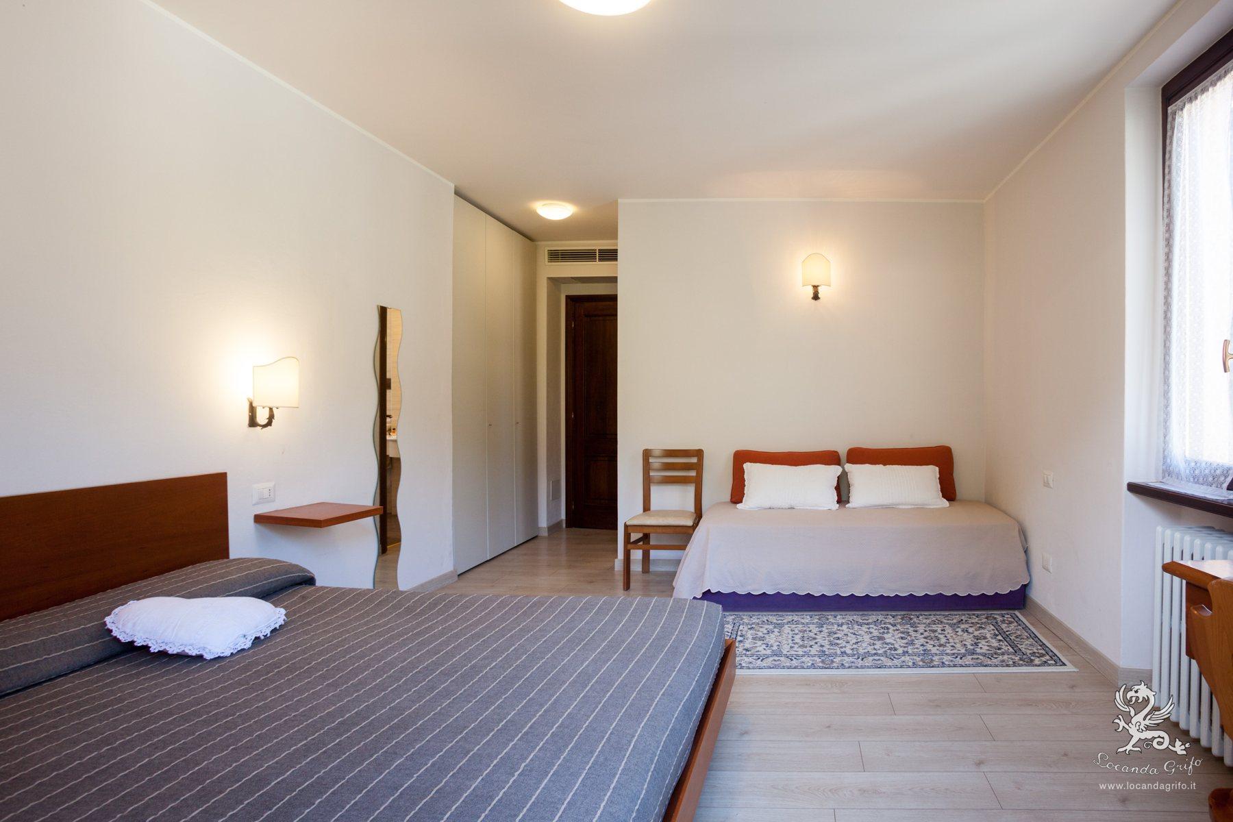 Triple room with double bed - Locanda Grifo, albergo a Lenno sul Lago di Como