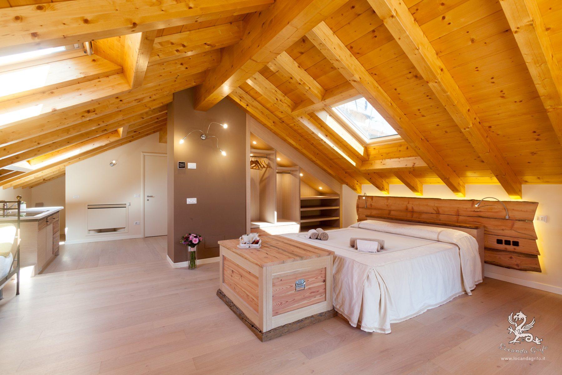 Mansarda - Appartamento - Locanda Grifo, albergo a Lenno sul Lago di Como